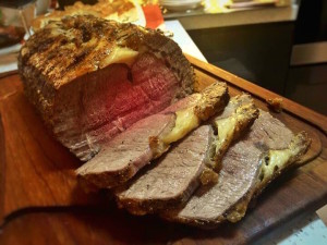Roast beef with black garlic port wine sauce
