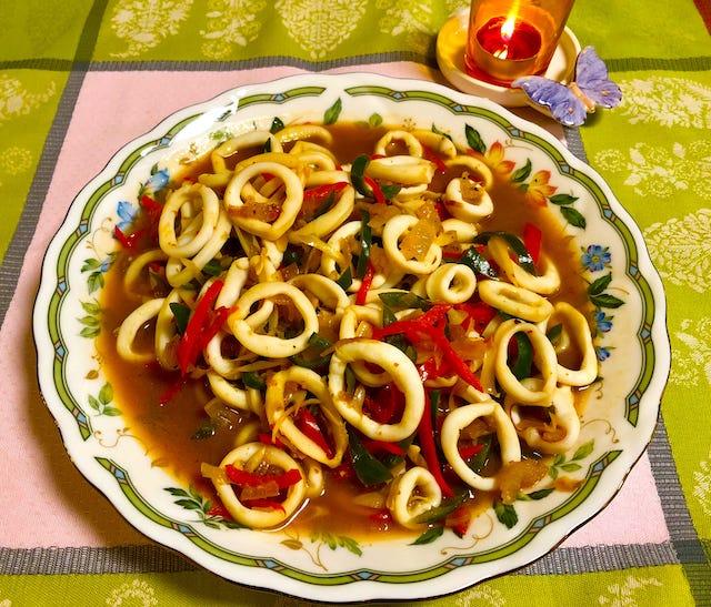 Tamarind squid lemongrass salad